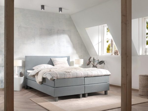 Boxspring inclusief Topdekmatras - Lichtblauw - 140x220 - Tweepersoons Bed