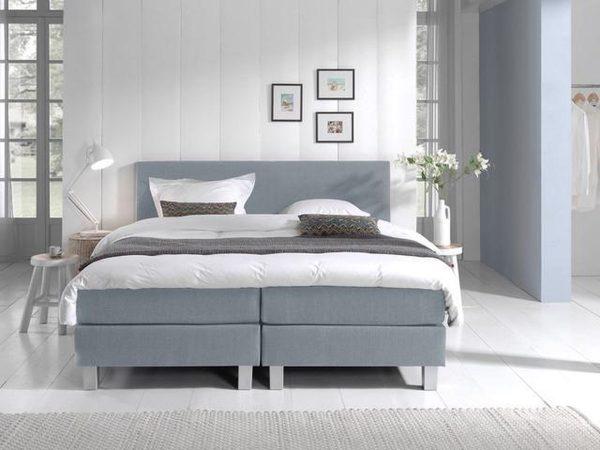 Complete Boxspring 120x220 cm - Lichtblauw - Pocketvering matrassen - Dreamhouse Louis - Twijfelaar