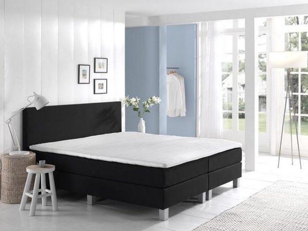 Complete Boxspring 140x220 cm - bed - Zwart - Pocketvering matrassen - Dreamhouse Louis - Twijfelaar