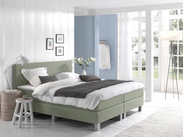 Complete Boxspring 140x210 cm - Groen - Pocketvering matrassen - Dreamhouse Louis