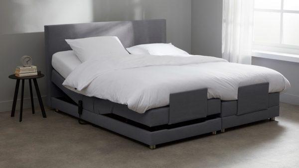 Boxspring Move Verstelbaar Met Silver Pocket Deluxe Foam - 140 x 200 cm - zwart