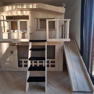 Boomhutbed XXL met Glijbaan   Steigerhout  Kinderbed   Bedhuisje 