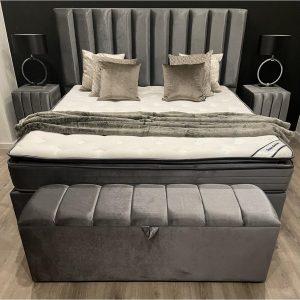 Boxspring Chicago - 140x200 - Tweepersoons meegestoffeerd matras - geïntergreerde HR50 koudschuim topper - Ice Grey